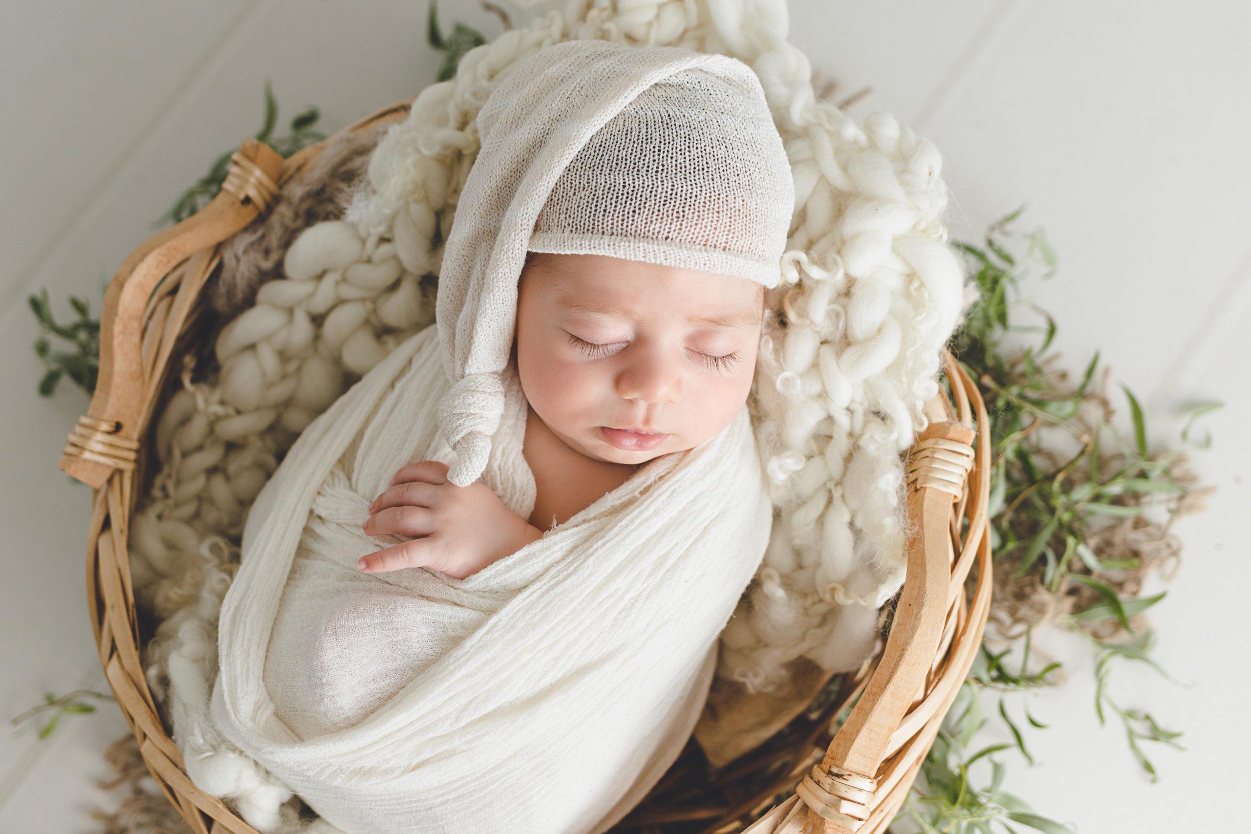 photo nouveau-né bébé bonnet homeostasie photographie Liège