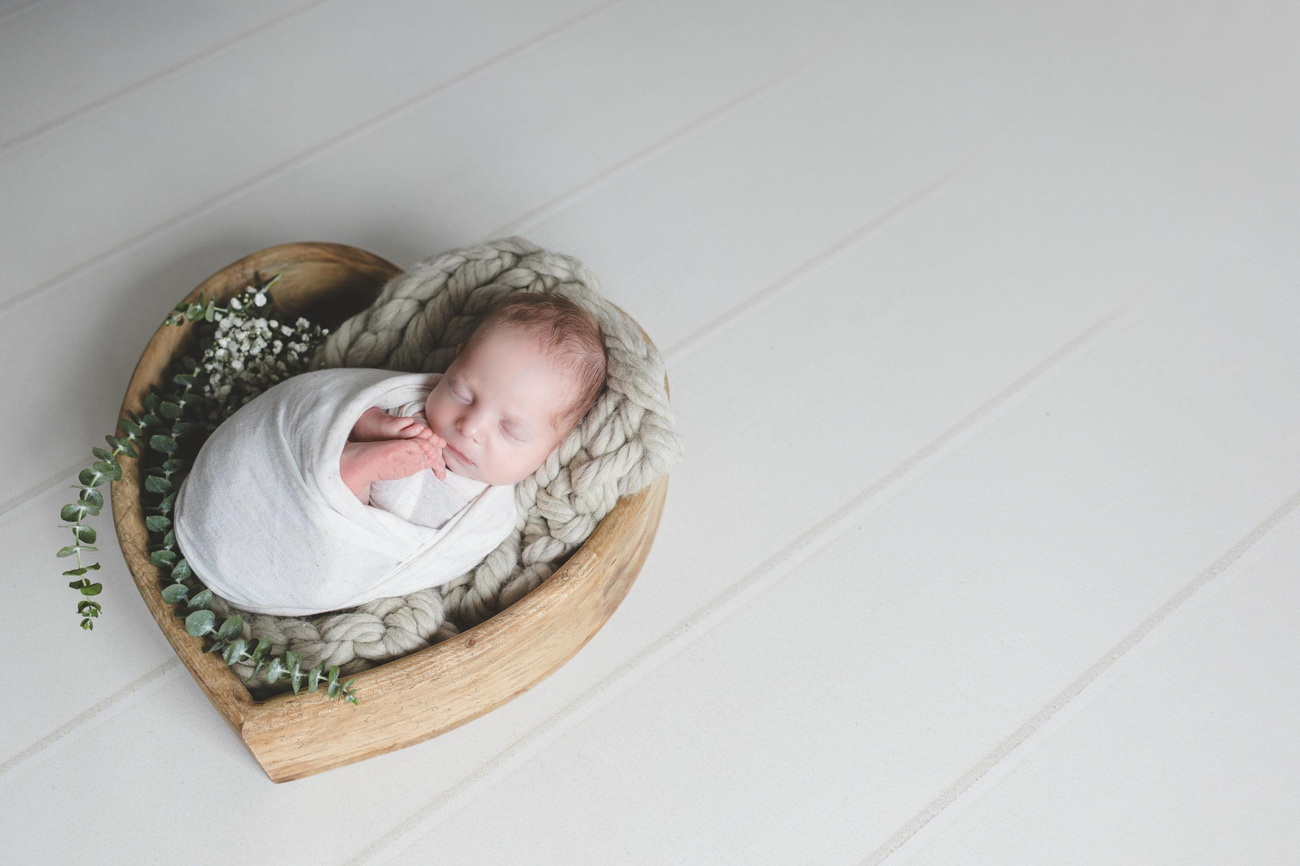 photo bébé Liège coeur eucalyptus